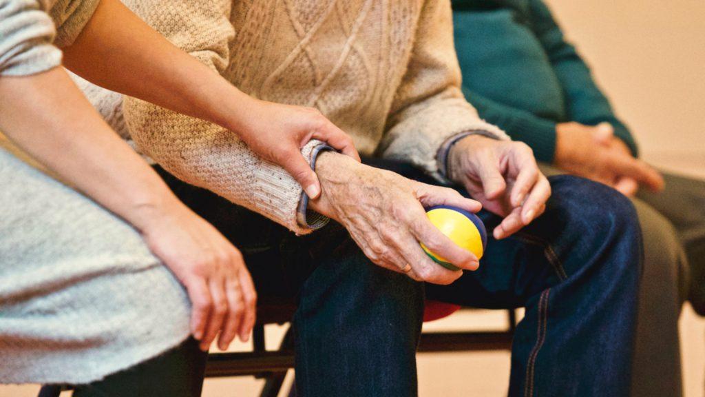 Unser Tipp: Werde Quereinsteiger im Sozial- und Pflegebereich